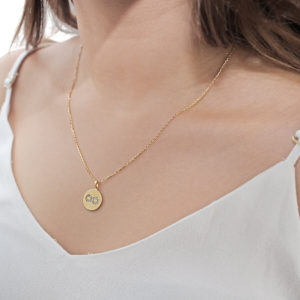 18ct gold infinity pendant necklace
