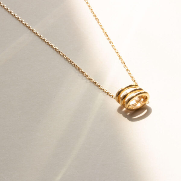 18ct Yellow Gold HoneyComb Pendant Necklace Auric Jewellery