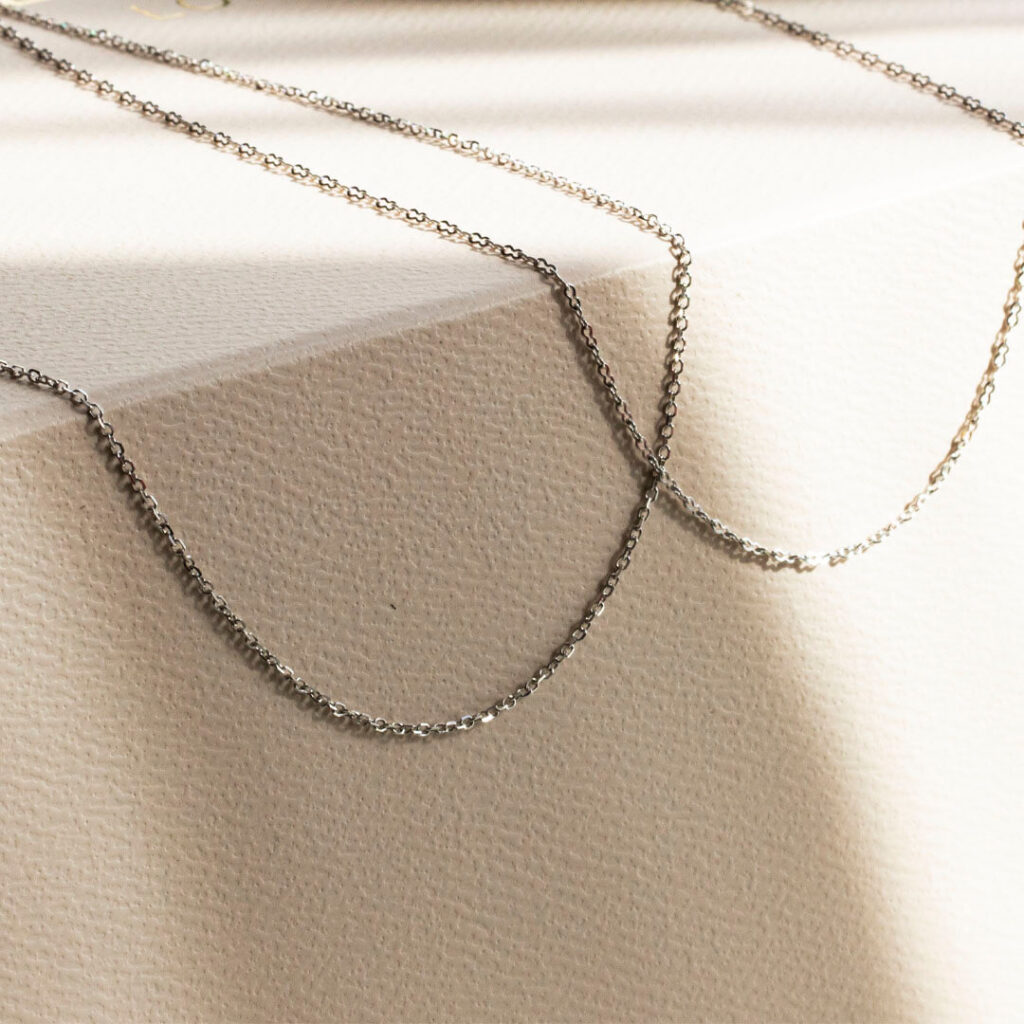 18ct Solid Gold Oval link chains