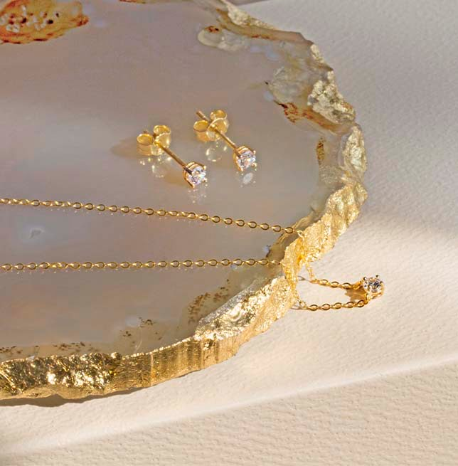 18ct Yellow Gold Bezel Necklace with Bezel Stud Earrings